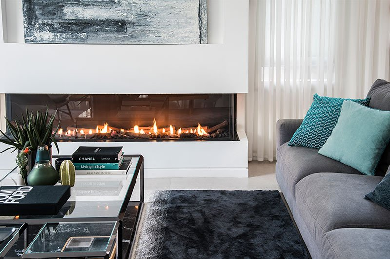 Advantages-of-Gas-vs.-Electric-Fireplaces