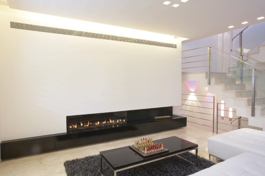 A Clear 170 Front Facing Fireplace